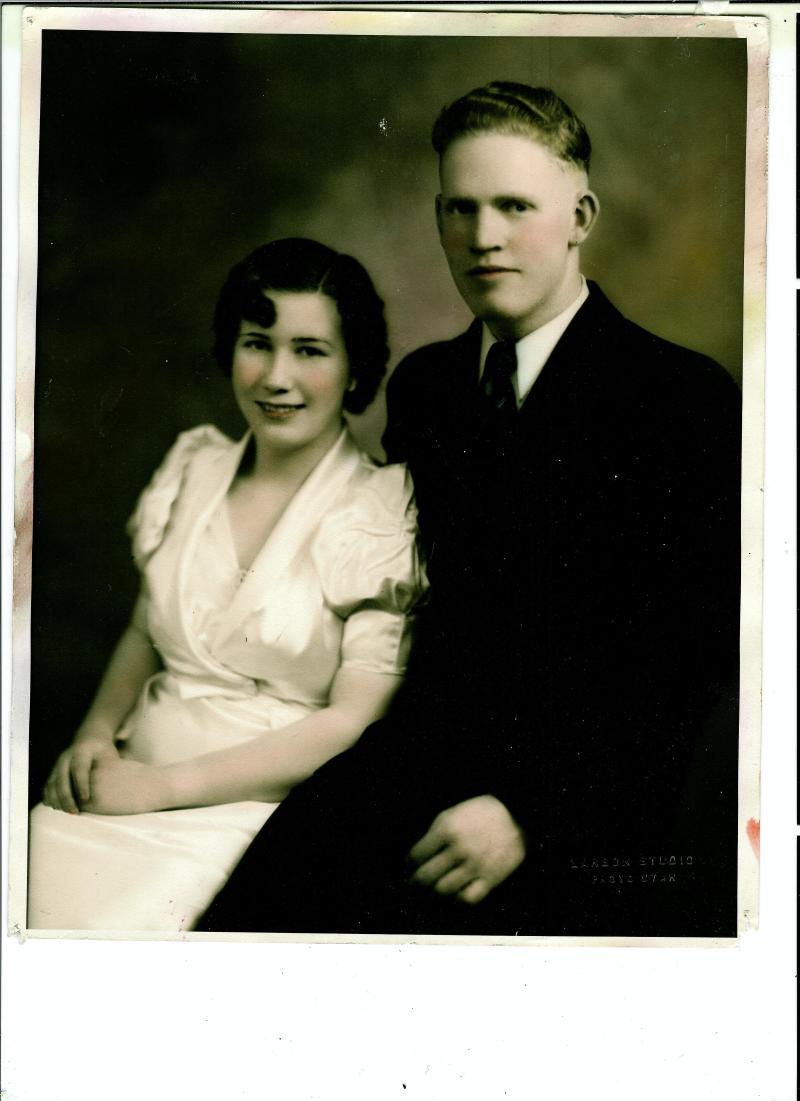 Wedding picture of Ezma Merl Williamson (Cragun) and Wilford Rumel Cragun