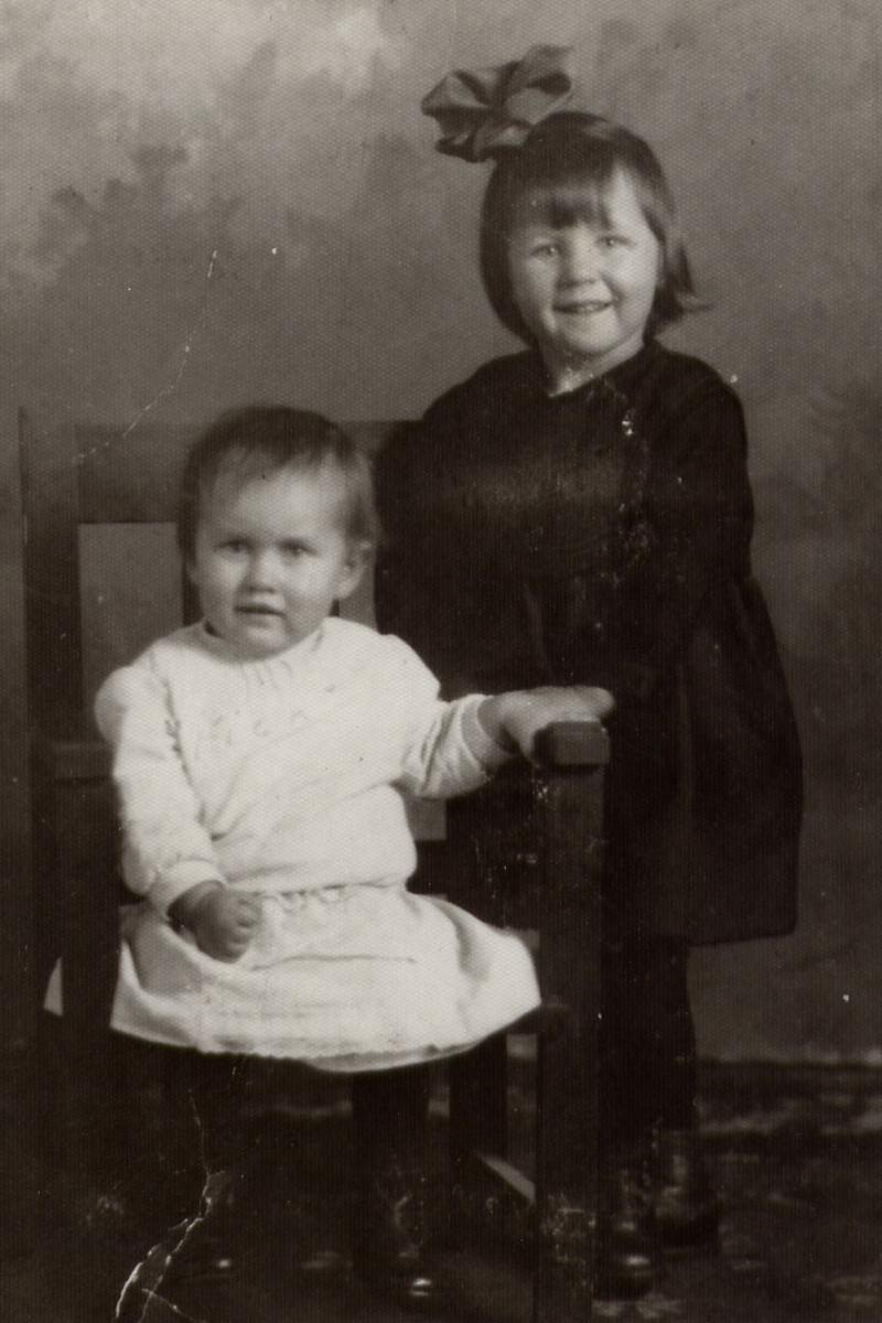 Edith and Irene Davis