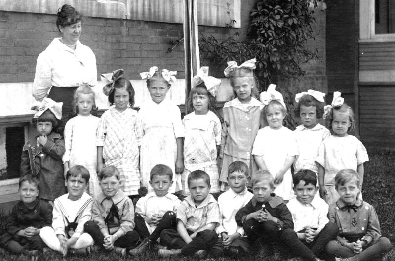 Thelma Earl in Grade School fourth from left on back row