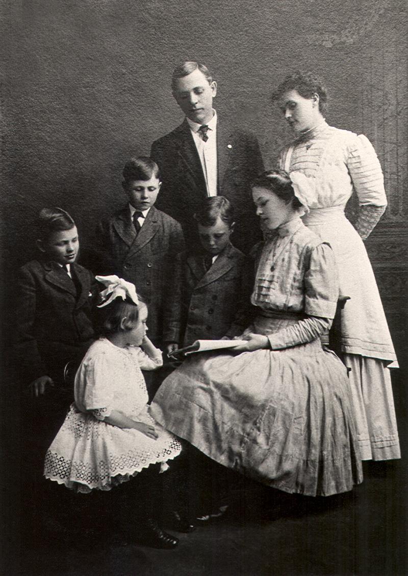 1909 Edward Schlick Family Portrait