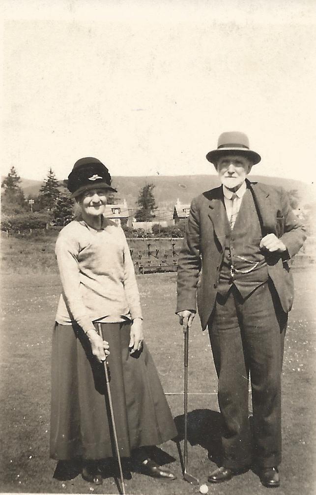 Peter and Helen Robertson Golfing