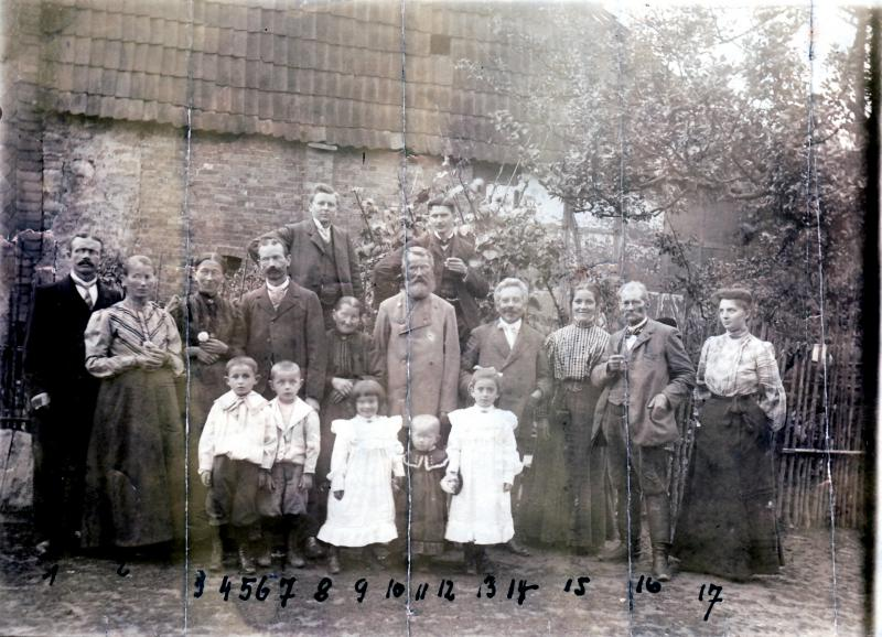 Nicolaus Sonntag Family in 1905 taken in Bernterode